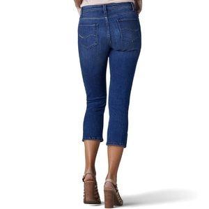 Lee Mid Rise Capri Jeans 12 M NEW